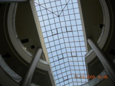 Стъклен покрив емпоре