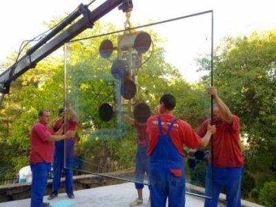 Стъклопакет за Hebeschiebetuer - голям, осигуряващ чист изглед